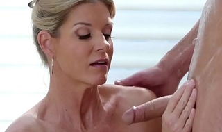 Hot mature babe India Summer swallow her client cock and gives him a sex nuru massage after