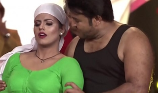 Hot Mallu Actress Iniya Deep Navel Dance