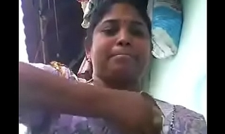VID-20180623-PV0001-Vikravandi (IT) Tamil 37 yrs old married hot and sexy housewife aunty Mrs. Eswari showing her boobs sex porn video-1